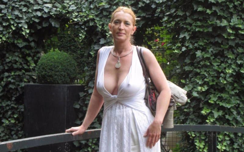 Sarah banks naked