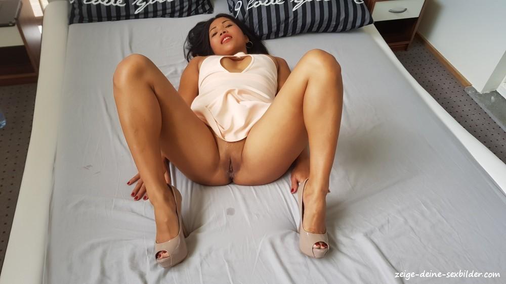 Nackt asiatische frauen m.tonton.com.my