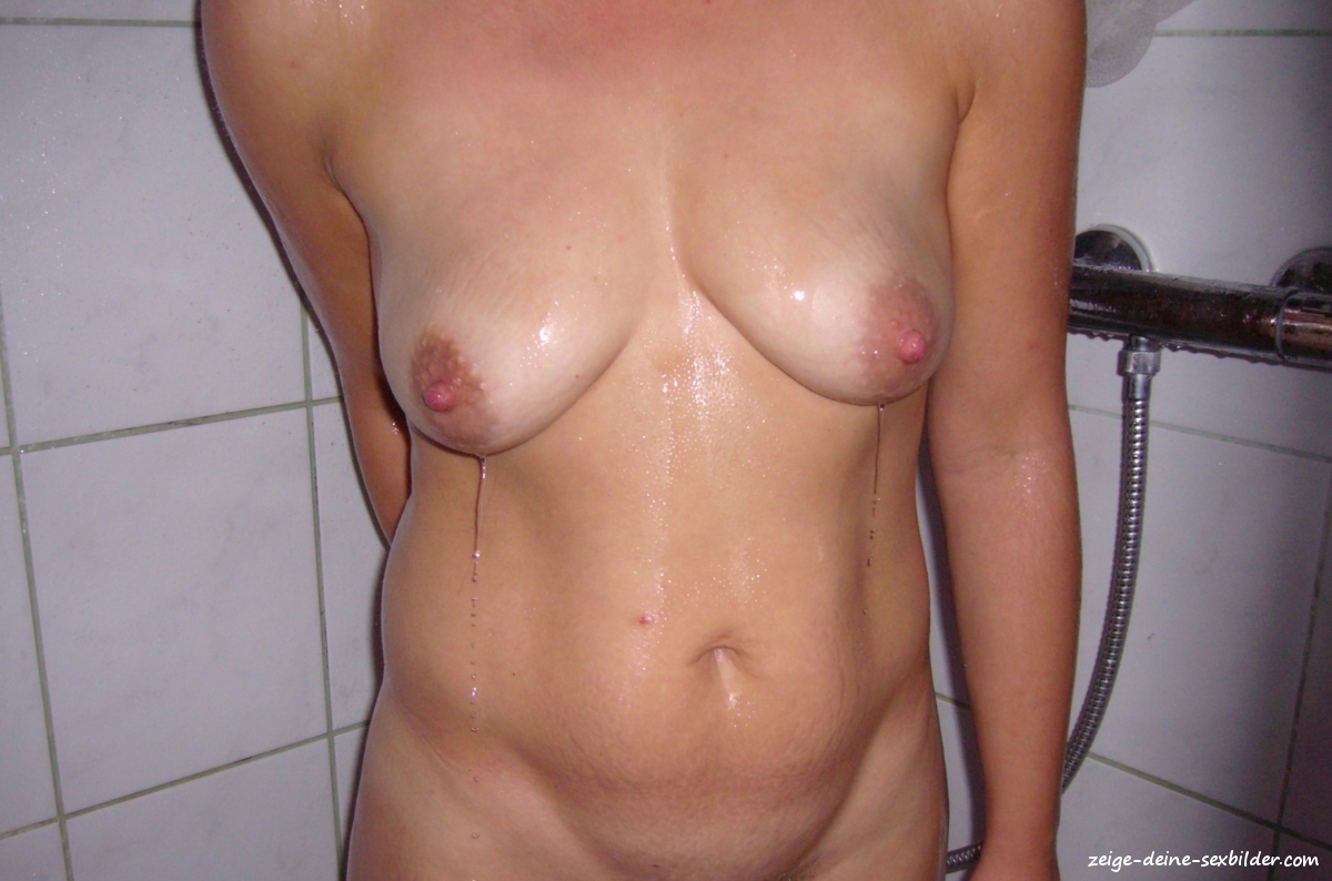 meine frau nackt in der dusche