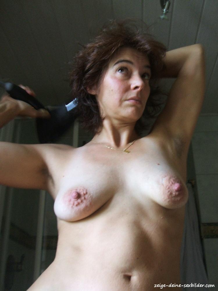 Nackt große nippel