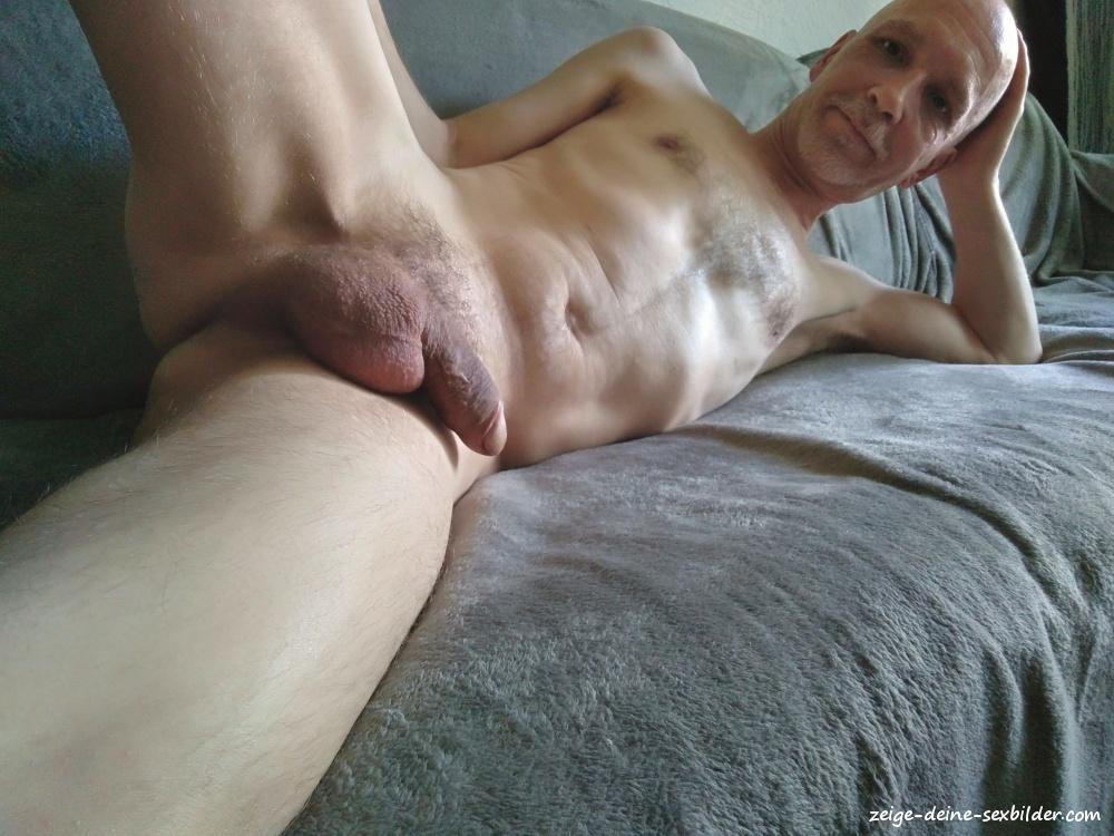 Nackt gerne zeig ich mich Ich zeige