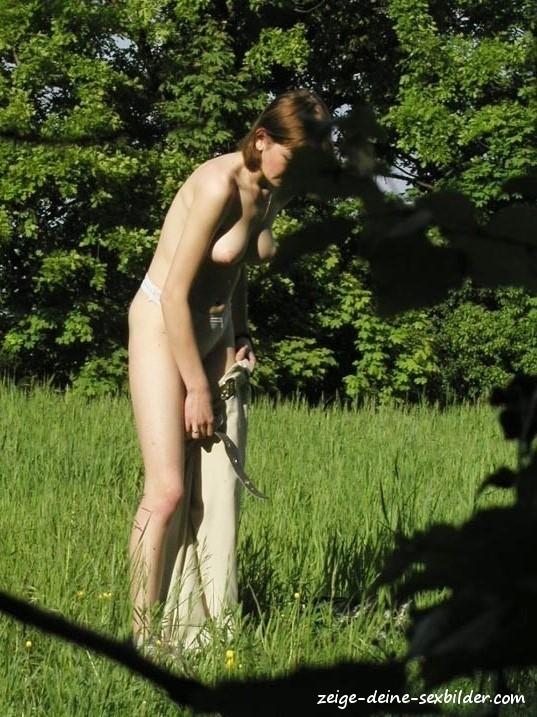 Nackt sex im wald
