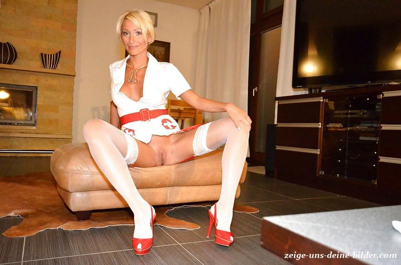Krankenschwester nackte Eine nackte
